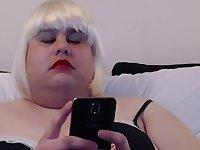 Linda the maid enjoying a webcam session...