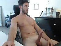 Hot hunk jerk off while sex camming