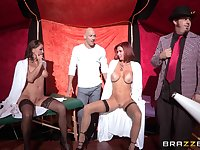 Threesome with squirting babes Nora Noir and Veronica Avluv