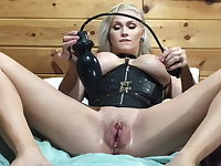 Huge inflatable plug for my pussy