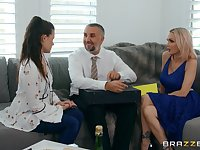 Raunchy MILF bombshell Devon with bubble ass in hot sex clip